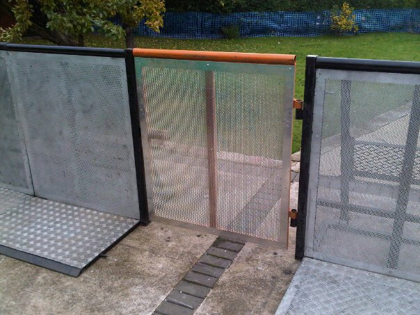 Pit Barrier Gate Closed - Pit Barriers.co.uk - 01524 733540